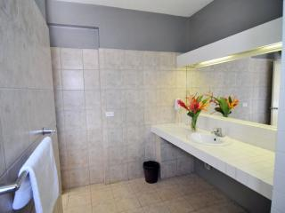Superior Orchid Room Bathroom