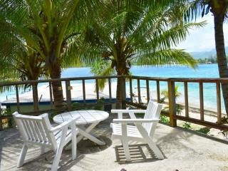 Semi Attached 1 Bedroom Oceanfront Bungalow Deck