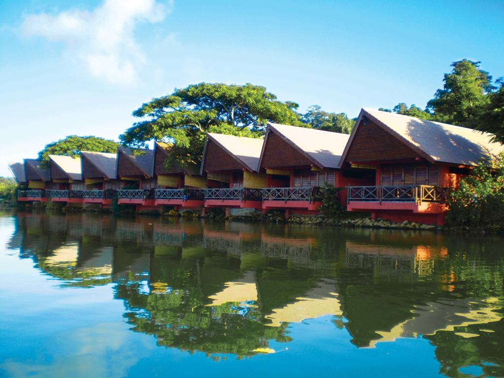 Sunset bungalows resort vanuatu accommodation Sunset lodge